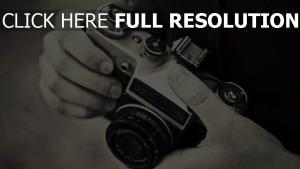 kamera hände schwarz-weiß-foto retro