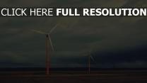 retro feld windgeneratoren  himmel