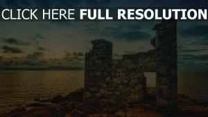 ruinen stein wand meer wolken