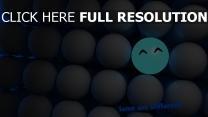 unterschied bälle weiß licht blau