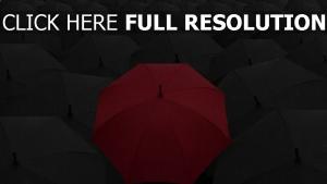 sonnenschirme regen kontrast rot grau