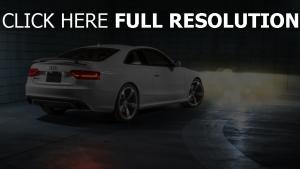 audi s5 coupe weiß garage scheinwerfer licht