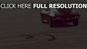 chevrolet corvette sportwagen retro rot rückansicht