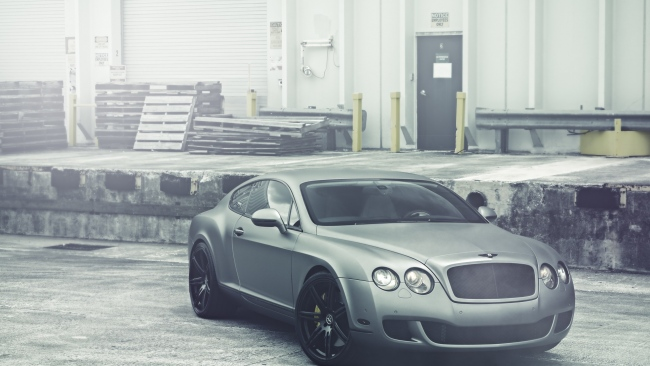 hd hintergrundbilder bentley continental grau matt lagerung vorderansicht desktop hintergrund. Black Bedroom Furniture Sets. Home Design Ideas