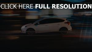 geschwindigkeit seitenansicht auto nacht