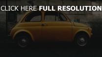auto seitenansicht gelb