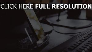 stehen handy smartphone tastatur
