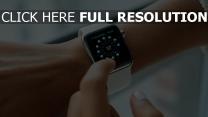 hand touchscreen smartwatch