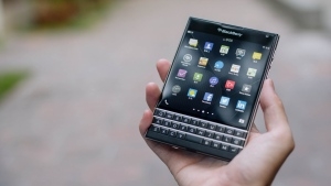 handy blackberry hand smartphone