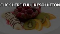 kuchen marmelade erdbeeren bananen kiwi orange