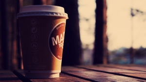 glas tisch kaffee bokeh