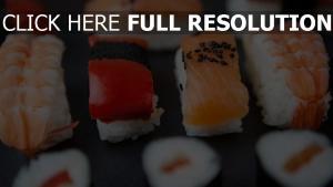 sushi reis fisch brötchen