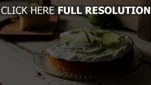 unerlaubter handlung leim keks dessert teller