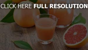 frischen saft grapefruit blätter zitrus