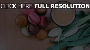kaffee tulpen makronen dessert