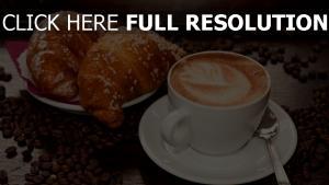 cappuccino kaffee bohnen croissants
