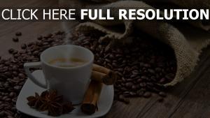 kaffee bohnen tasse dampf zimt tisch