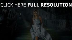 aschenputtel prinzen palast treppe kleid