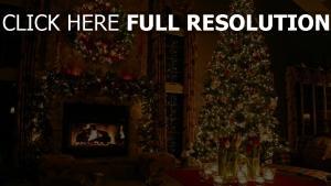 zimmer weihnachten fichte kamin girlande feier