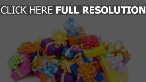 geschenke schachteln feier glückwünsche