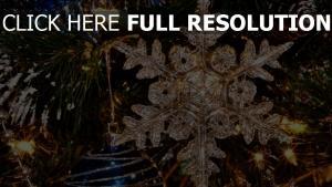 neujahr schneeflocke girlande fichte nadel
