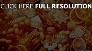 weihnachten lebkuchen nüsse süßigkeiten zimt