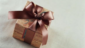 valentinstag geschenk box bogen band