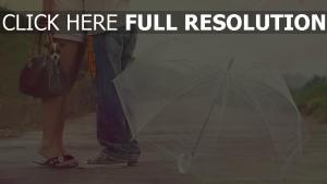 paar romantisch valentinstag regen regenschirm hund
