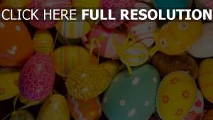 farbige eier zeichnungen ostern dekoration