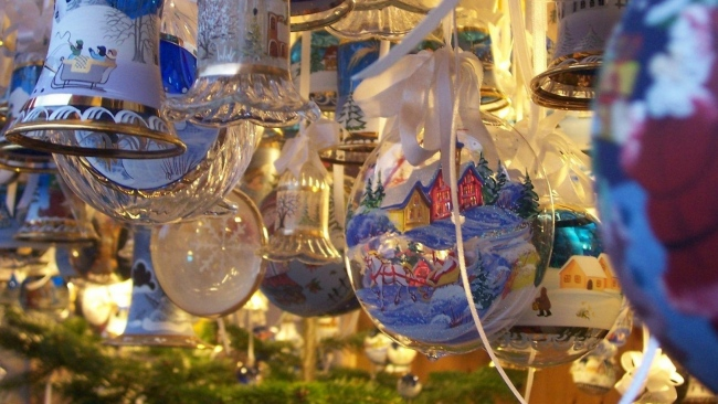 hd hintergrundbilder luftballons bändern weihnachtsschmuck hintergründe glocken tapeten bilder schön