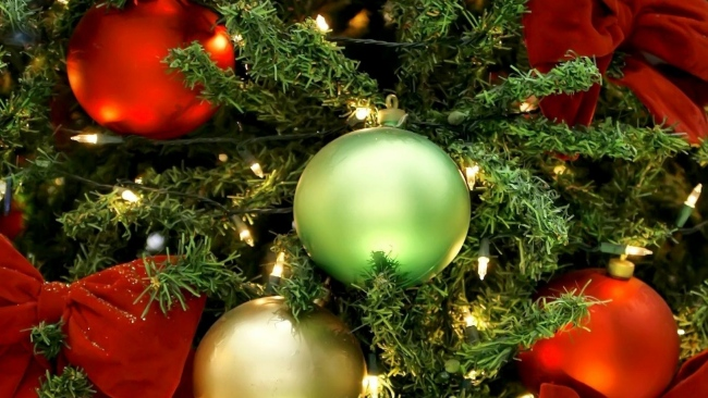 hd hintergrundbilder weihnachtsbaum bögen luftballons weihnachtsschmuck girlanden urlaub weihnachten neujahr close-up