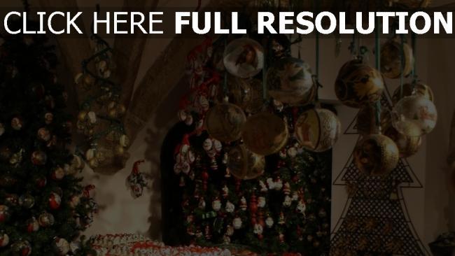 hd hintergrundbilder viele urlaub luftballons weihnachtsdekorationen bäume neues jahr