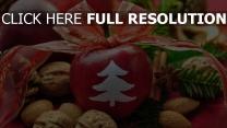 tisch band feiertag neues jahr äpfel bogen walnüsse dekoration zimt tannennadeln tannenzapfen
