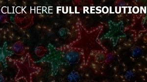sterne baum luftballons weihnachtsschmuck girlanden urlaub