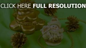 baum attribute kegel schneemann dekoration feiertag neues jahr