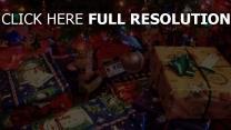weihnachtsbaum weihnachten viele geschenke feiertag neues jahr stimmung