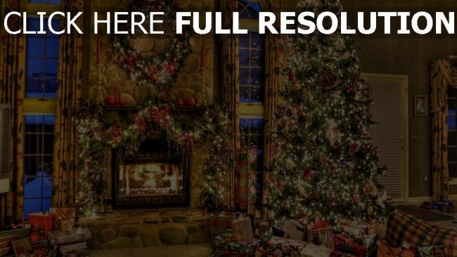 hd hintergrundbilder geschenke kranz weihnachten baum kamin haus komfort