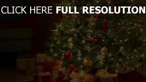 baum spielzeug neujahr weihnachten geschenke girlande