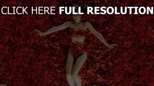 american beauty mädchen rosen blütenblätter drama