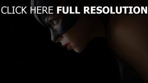 catwoman halle berry maske blick warten