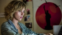 lucy scarlett johansson action science fiction
