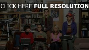 laptops sofa rajesh koothrappali penny the big bang theory zimmer howard wolowitz sheldon cooper spiel leonard hofstadter