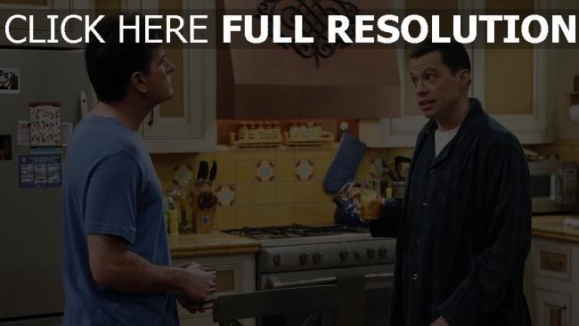 hd hintergrundbilder jon cryer charlie sheen two and a half men jake harper charlie harper konflikt küche