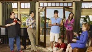 zimmer angus t jones jon cryer jake harper charlie harper two and a half men lächeln charlie sheen