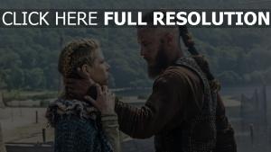 travis fimmel lathgertha ragnar lothbrok vikings katheryn winnick historisches drama