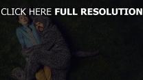 elijah wood feld gras ryan newman wilfred hauptfiguren jason gann