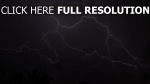 grauen himmel blitzschlag sturm wolken
