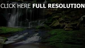 wasserfall wasser strom nebenfluss felsen moos