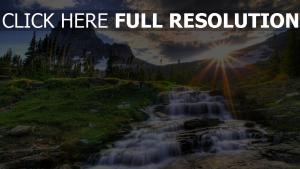 fluss berge wasserfälle berge sonne strahlen