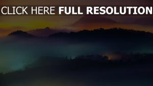 berge nebel dunst sonnenuntergang regenbogen